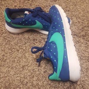 Nike shoes size 8